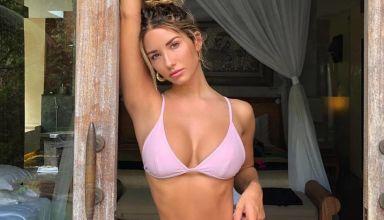 jeune brune en bikini