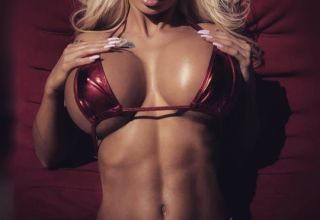 blonde au gros seins