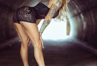 fille tatouée